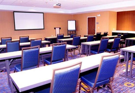 Pearl, MS: Meeting Room – Classroom Setup