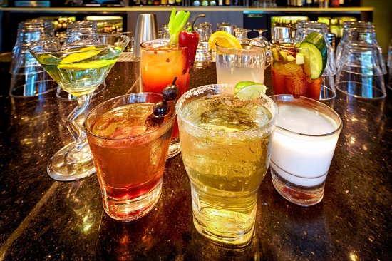 Brisbane, Californien: WhiteCaps Drinks + Eats Cocktails