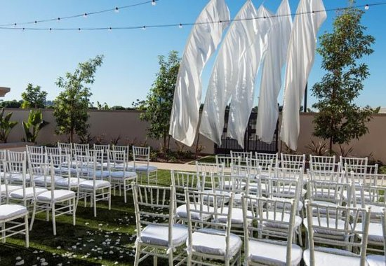Irvine, CA: Event Lawn - Wedding Ceremony Setup