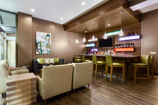 Clayton, MO: Lobby Lounge
