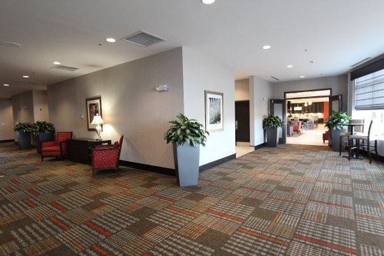 Hilton Garden Inn Findlay - PreFunction