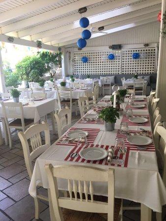 Vouliagmeni, Grecja: louizidis taverna