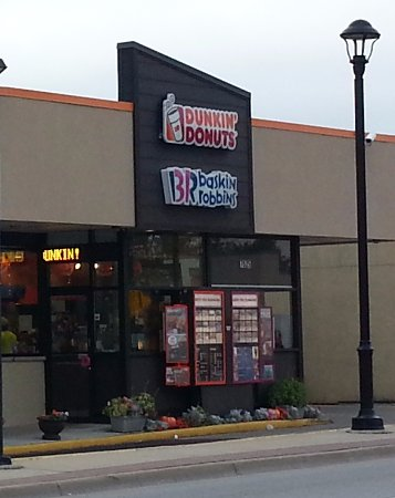 Niles, IL: Entrance to Baskin Robbins