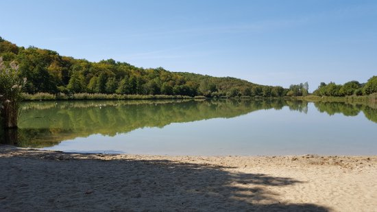 Tamnies, France: Glooiend strandje, tot 15 mtr stahoogte