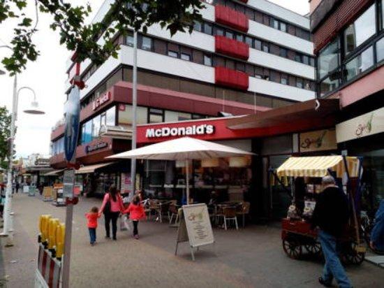 Homburg, ألمانيا: McDonald's Talstraße am Saar-Pfalz-Center Homburg