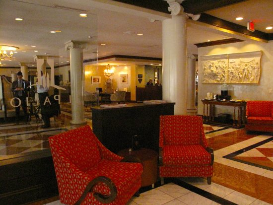 Чейпл-Хилл, Северная Каролина: Il Palio at Siena Hotel - Restaurant Entrance From Lobby