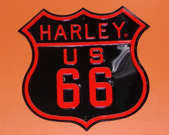 Carlinville, IL: Harley US 66 sign