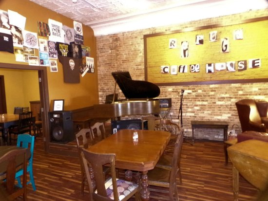 Piano refuge coffee house carlinville il
