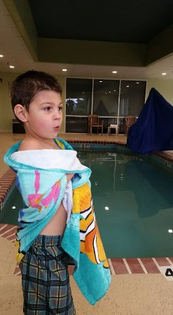 """Anderson, SC: It was too cold for my 3 yr old to get back in, he is saying """"Nooope!"""" lol."""