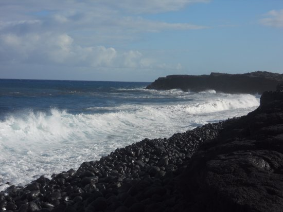 Pahoa, Гавайи: shore line to the right side of path