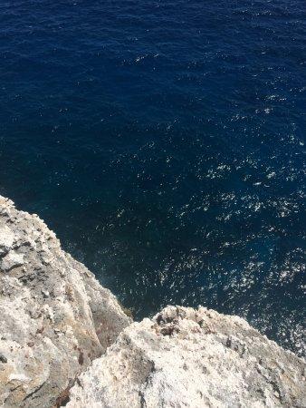 Cayman Brac: The edge