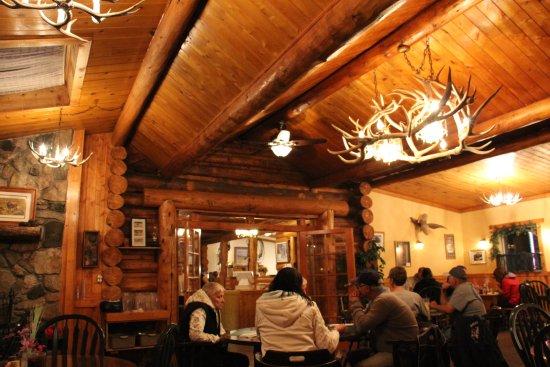 Yellowstone Valley Inn: Uriges Restaurant