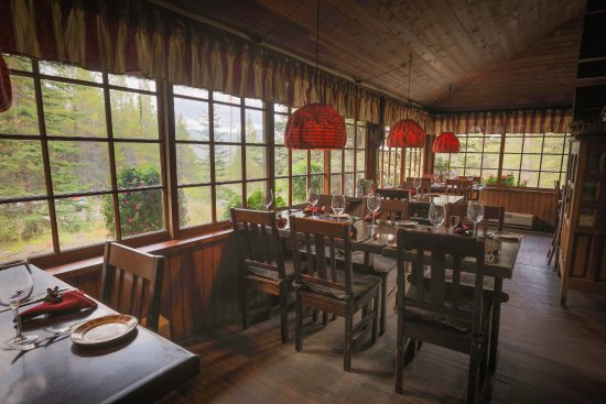 Dining Room Tables And Albacore Tuna, Mountain Lodge Dining Room Furniture