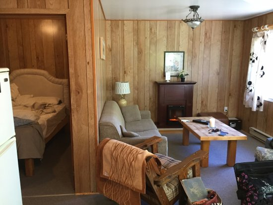 Oxtongue Lake, Canadá: from the kitchen of the bedroom and sitting room