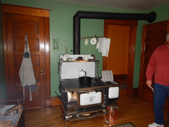 Two Harbors, MN: kitchen in the lighthouse keepers house..they still use the stove just about everyday !!