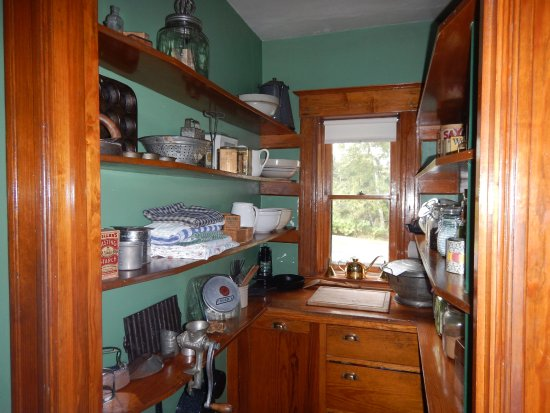 Two Harbors, MN: pantry in the lighthouse keepers house wish I had one like this !!!