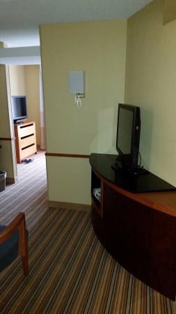 Fairfield Inn & Suites Charlottesville North: two tv's