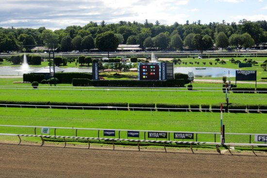 Saratoga Springs, NY: Dirt track, outer turf, inner turf