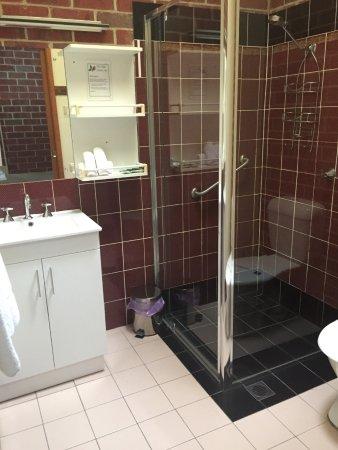 Tumut, Австралия: Bathroom