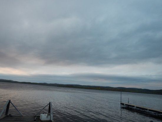 Heston's Lodge: gunflint lake
