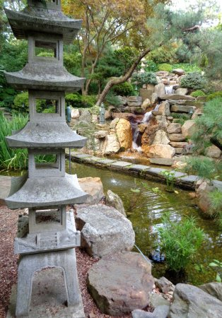 Hillwood Museum & Gardens: one of many outdoor garden areas (this one Japanese)