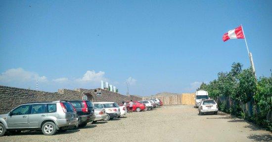 Huacho, เปรู: Estacionamiento