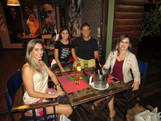 Puerto Iguazu: Amigos curtindo a noite na Argentina