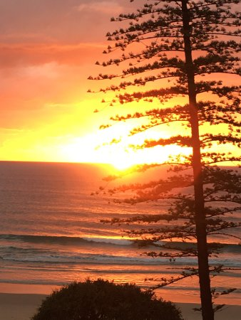 Coolum Beach, Australië: Taken from my bedroom in the morning!