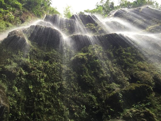 Oslob, Filipinas: Tumalog Falls after a rain!