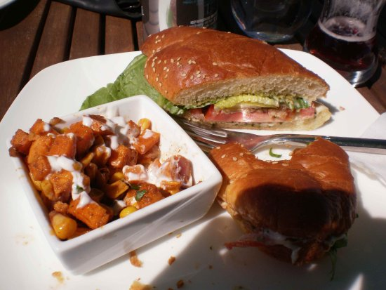 Newport Landing, Canadá: Favorite Sandwich of my Summer!