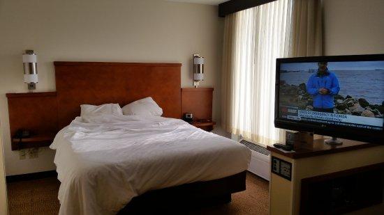 Germantown, TN: King Bed