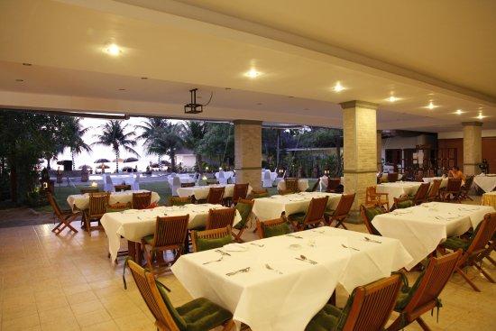 Lipa Noi, Tayland: Restaurant with sea view