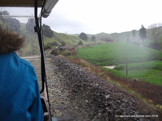 Taumarunui, Yeni Zelanda: On the rails...even with the sides rolled up it wasn't wet or cold