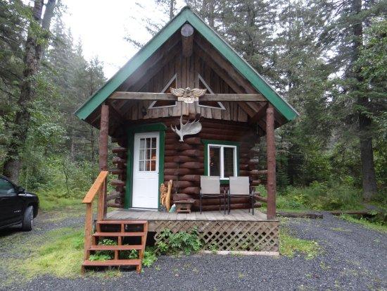 Alaska Creekside Cabins: Eagle's Nest Cabin