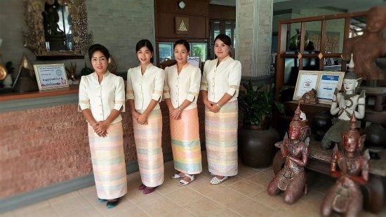 Lipa Noi, Tajlandia: Friendly and Courtesy Hotel Staff
