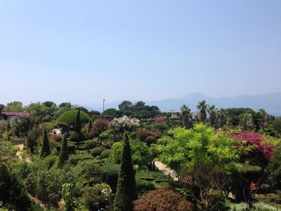 Geoje, เกาหลีใต้: view overlooking one side near the top of the gardens