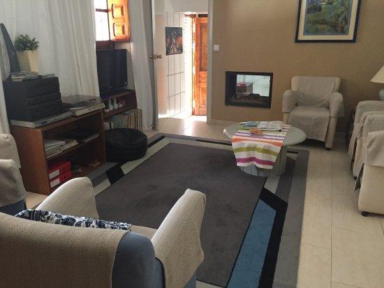 B&B Lasnavillas m&m: De gezellige woonkamer