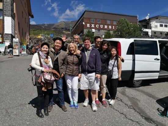 Zafferana Etnea, Italia: The group for day tour.