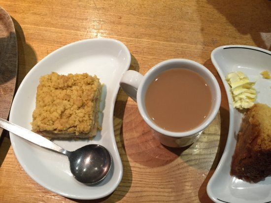 Edale, UK: Rubharb crumble