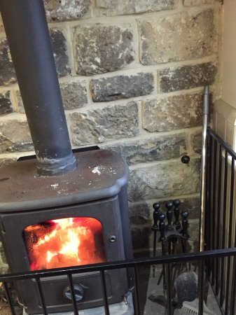 Edale, UK: Fire to keep us warm