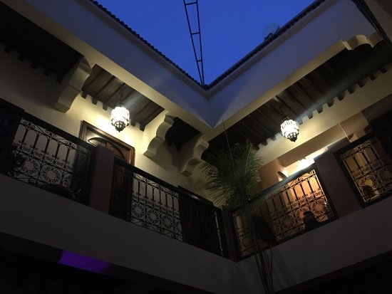 Riad Dar Dialkoum: Beautiful common areas for chilling