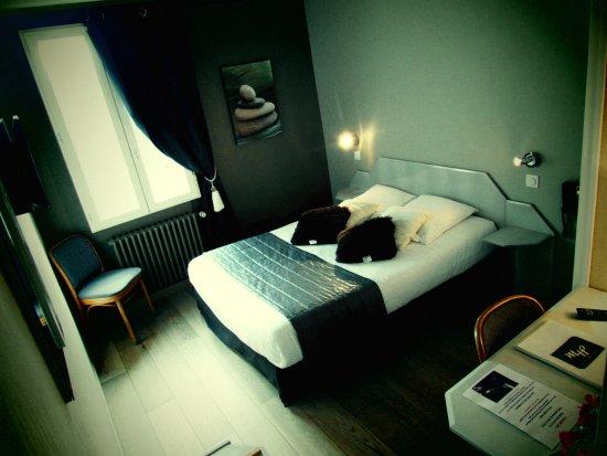 فندق دو لا مارني