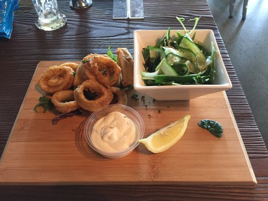 Henley Brook, Australien: Really impressed with portion size for an entree. Salad was a nice touch. Fantastic how they cat