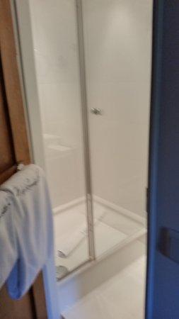 Erkrath, Duitsland: Shower in Closet, good though.
