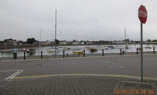 Lawlor's Hotel Dungarvan: Dungarvan harbour