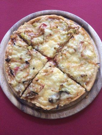 Bad Rodach, Deutschland: Unsere Hausgemachte Pizza