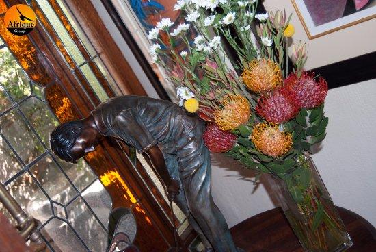 Afrique Boutique Hotel Oliver Tambo: Reception Decor