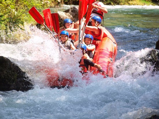 Podstrana, Kroatië: white water rafting fun