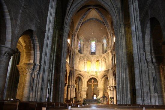 Basilique Notre-Dame d'Avesnieres