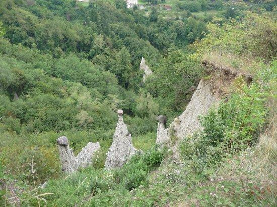 Zone, Italia: piramidi 5